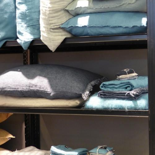 coussins et plaids bleus Linenme