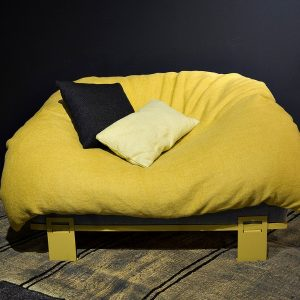 fauteuil love jaune face